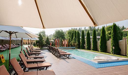 Київська Русь - готель з басейном в Східниці