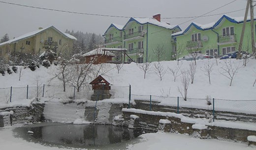 "Вилла ""На Гирский"" зимой"