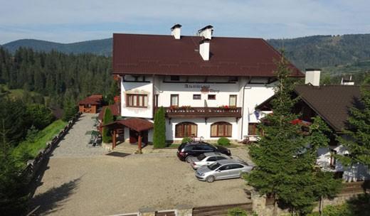 """Готель """"Альпійський двір"""" у Славське"""