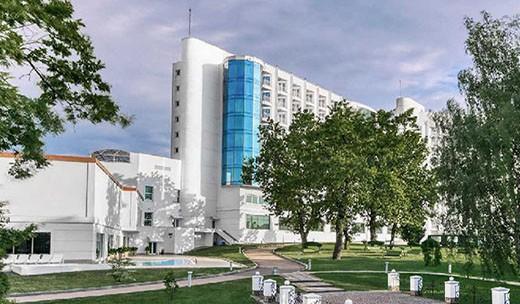 """Отель """"Риксос Прикарпатье"""" в Трускавце"""
