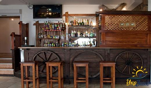 Етно-бар